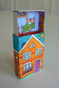 Bron: http://homemadecity.com/2011/11/21/matchbox-house/